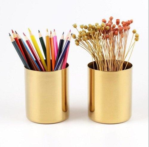 Hộp cắm bút vàng