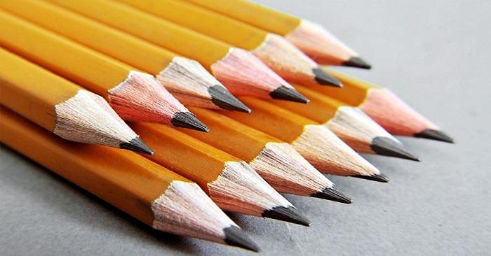 ý nghĩa của những chữ số trên thân bút chì vàng